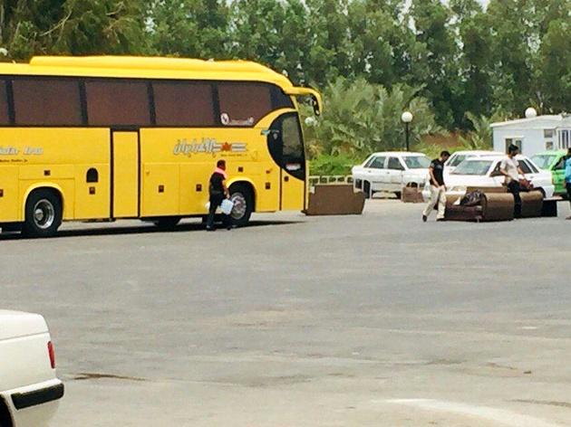 معضل حمل بار تجاری با اتوبوسهای مسافربری + عکس