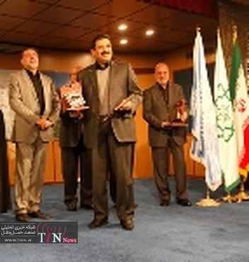 """اعطای جایزه """" خشت طلایی """" تهران به پروژه های بزرگراه طبقاتی صدر و تونل نیایش"""