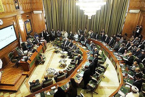 شهردار تهران پاسخگوی بهرهبرداری از املاک شهر باشد