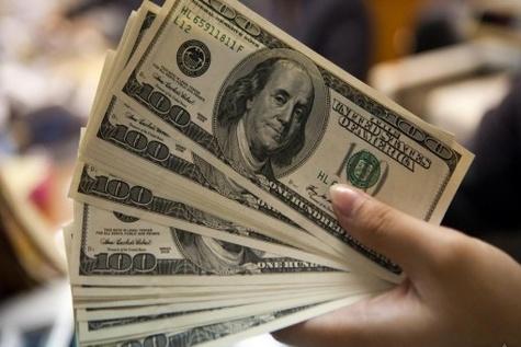 دلارهای آزاد شده به جیب بانک ها می رود