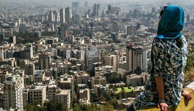 تمرکز نظام اداری کشور باید از تهران برداشته شود