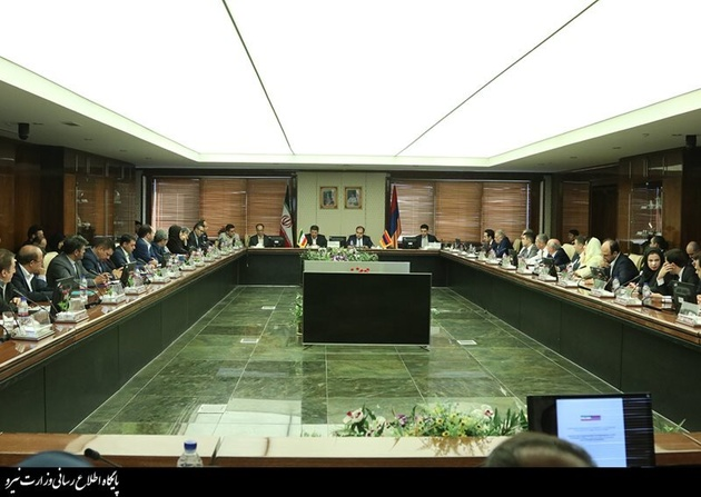 Iran calls for removing barriers in trade with Armenia