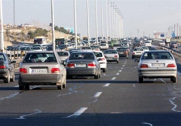 ترافیک در خروجیهای مشهد نیمه سنگین و پرحجم است