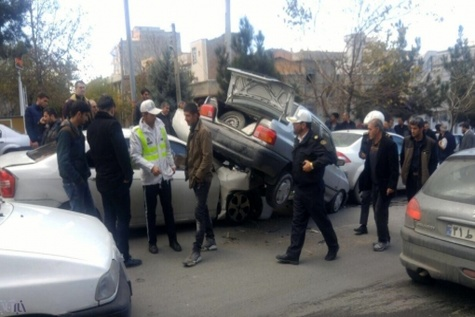 تصادف زنجیره ای در اتوبان زنجان - قزوین چهار مصدوم برجا گذاشت