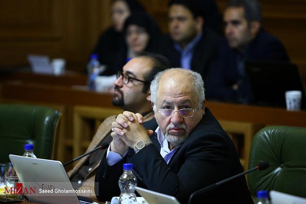 حقشناس:  با استعفای شهردار تهران موافقم