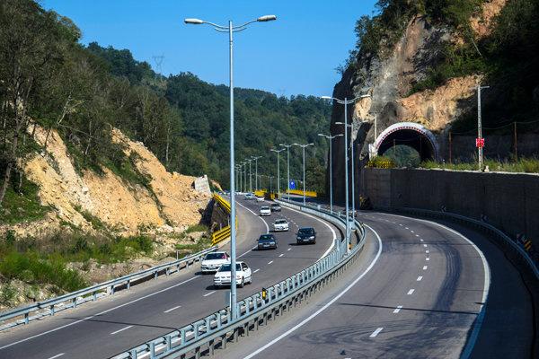 قطعه یک آزاد راه تهران - شمال آماده بهره برداری شد