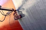 Hapag-Lloyd tests ship-painting robots
