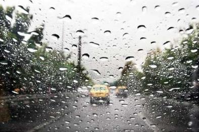 باران و مه گرفتگی در محورهای شمالی و منتهی به تهران