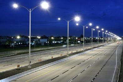 وضعیت روشنایی خیابان ها و معابر شهر بوشهر نیازمند بهبود است