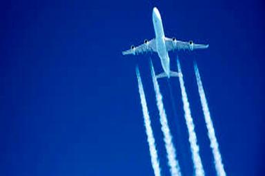 خط سفید رنگ عبور هواپیما چیست؟