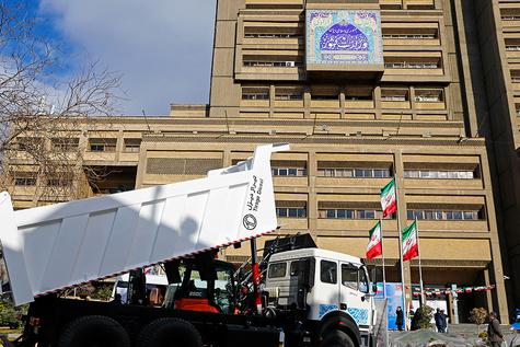 رونمایی از ماشینآلات اهدایی به شهرداریها و دهیاریها
