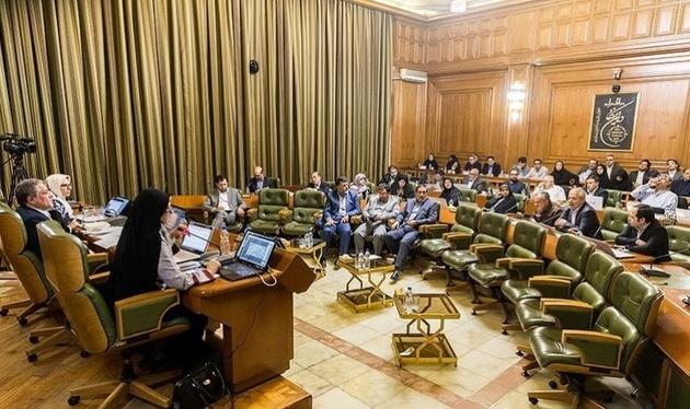 نخستین جلسه امسال شورای شهر تهران با تاخیر آغاز شد