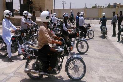 ۵۰۰ عددکلاه ایمنی بین موتورسواران سیستان و بلوچستان توزیع شد