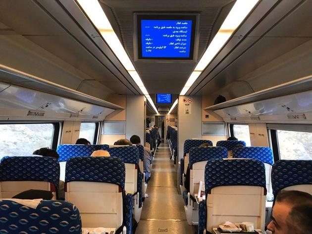 اولین قطار آزمایشی قزوین رشت وارد ایستگاه رشت شد