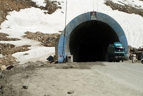 عملیات اجرایی تونل محور ایذه سد کارون آغاز شد