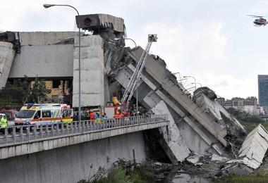 ریزش پل در «جنووا»؛ چرا و چگونه اتفاق افتاد؟ + تصاویر