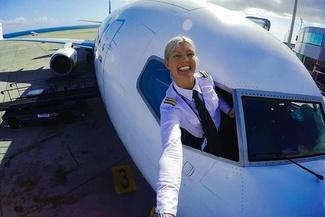 انتخاب خوشتیپترین خلبان زن دنیا؛ ماریا پترسون از سوئد