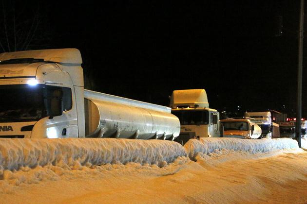 بارش شدید برف در ۵ استان/ در ترددهای جادهای از تجهیزات زمستانی استفاده کنید