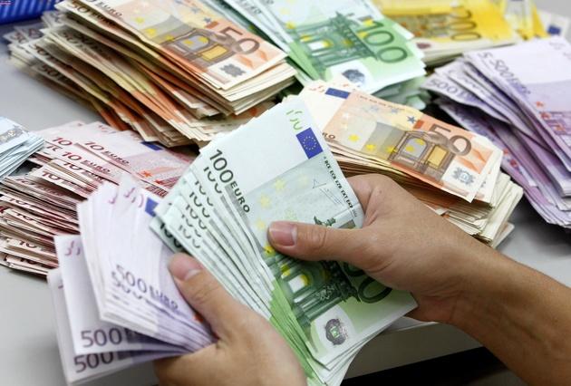 دلار جهانی بالاخره کاهشی شد