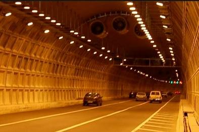 تردد روزانه 60 هزار خودرو در تونل نیایش