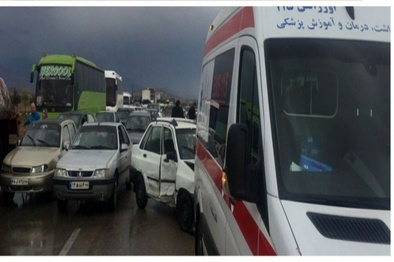تصادف زنجیرهای در آزادراه قزوین-زنجان با ۳ کشته و ۲۴ مصدوم