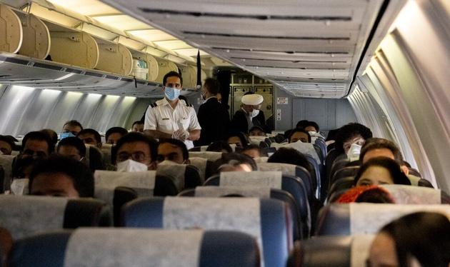 فاصله گذاری اجتماعی در پروازها را حذف کنید