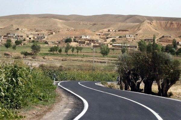عملیات آسفالت راه روستایی مهدیآباد درمیان به اتمام رسید