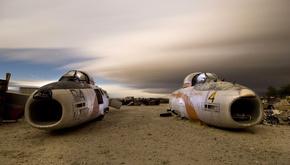 تصاویر خلاقانه از یک گورستان متروکه هواپیما در قلب بیابان