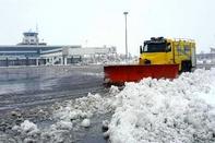 پروازهای فرودگاه اردبیل با وجود بارش برف انجام میشود