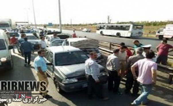 تصادف زنجیره ای با ۲ کشته و ۹ زخمی در زنجان