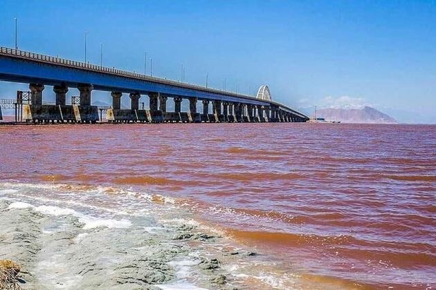 مرحله نخست رهاسازی آب از سد دریک به دریاچه ارومیه آغاز شد