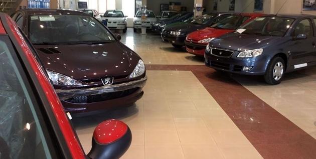ادامه ریزش قیمت خودرو در بازار+جدول