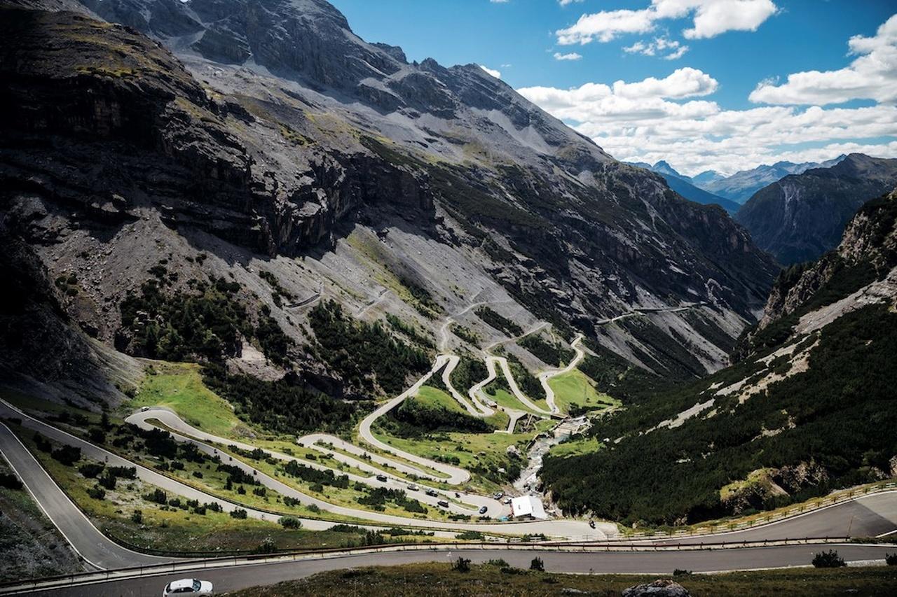 9- استلویو پس(Stelvio Pass)، ایتالیا