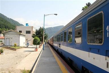 دلیل ناکامی قطارهای حومهای چیست؟
