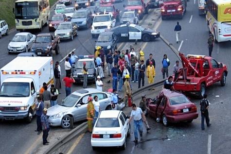 کُشتار موبایلی تصادفات رانندگی آمریکا افزایش یافت