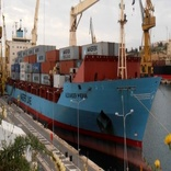 Maersk containership picks up 113 migrants south of Italy