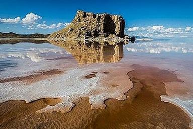 انتقاد از احداث پارکآبی و دریاچه مصنوعی با حقآبه دریاچه ارومیه