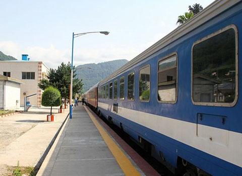 قطار پرسرعت تهران-قم-اصفهان از استثنایی ترین طرح های راه در قم است