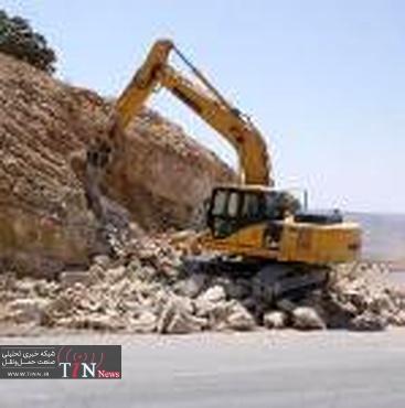 عملیات اصلاح مسیر و خاکبرداری ترانشه واقع در محل قوس افقی محور تربت جام - باخرزانجام شد