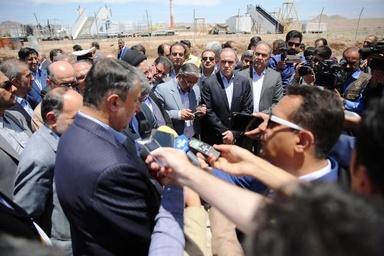 کلنگزنی سالن بینالمللی فرودگاه بیرجند توسط اسلامی