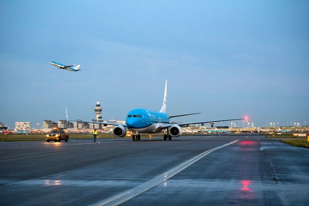 KLM receives new (and last) Boeing 737-800