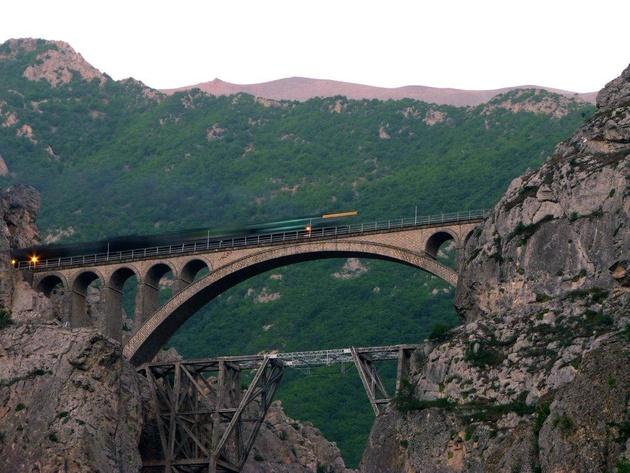 این پل راهآهن ایران 82 سال است که کار میکند + تصاویر
