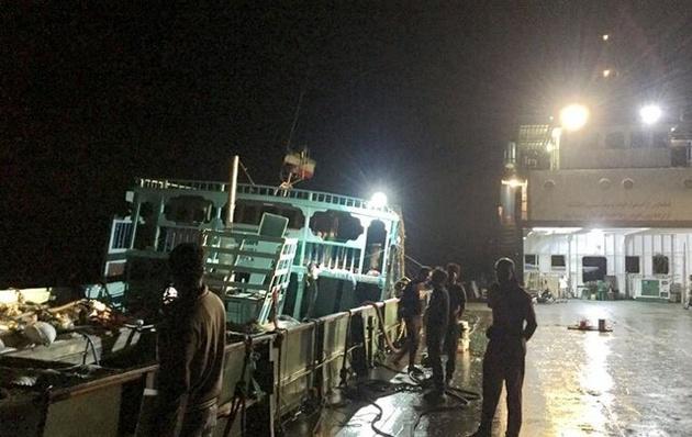 تلاش ۷۲ ساعته برای نجات شناور سانحه دیده در آبهای کشور امارات