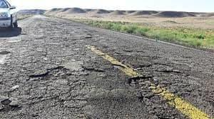 جاده های کشور در آستانه نابودی کامل/ لزوم تغییر در تناژ مجاز حمل بار