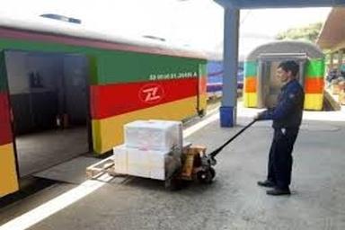 راهاندازی قطار برنامهای خرده بار برای حمل بارهای تجاری