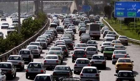 ترافیک نیمهسنگین در آزادراه کرج_ قزوین