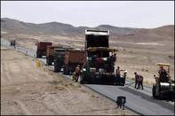 اجرای ۱۰ کیلومتر لکهگیری و روکش آسفالت گرم در شهرستان قاین خراسان جنوبی