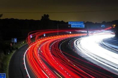 شبکه راهداری انگلیس، گرافن را به کف جادهها میآورد