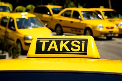 ۱۲ هزار تاکسی در کلانشهر شیراز فعال است.