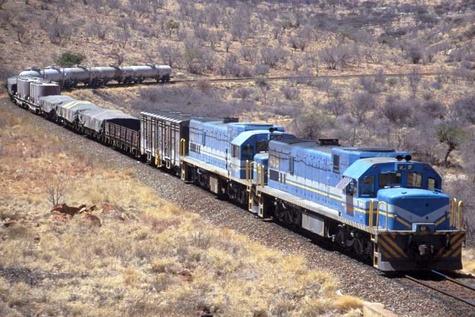 رشد ۷۶ درصدی تردد قطارهای باری از پاکستان به راه آهن زاهدان